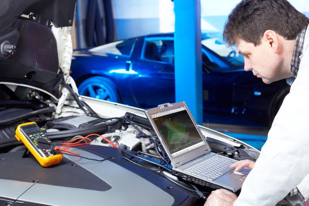 Diagnostic électronique en garage